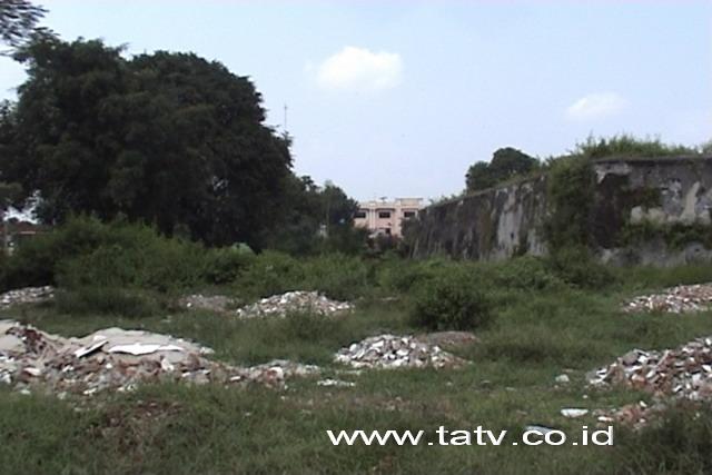 Rusak; Benteng Vastenberg (Foto: TaTv.co.ic)
